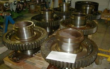 Nickelage épais, tournage et rectification sur roues dentées de locomotives thermiques.jpg
